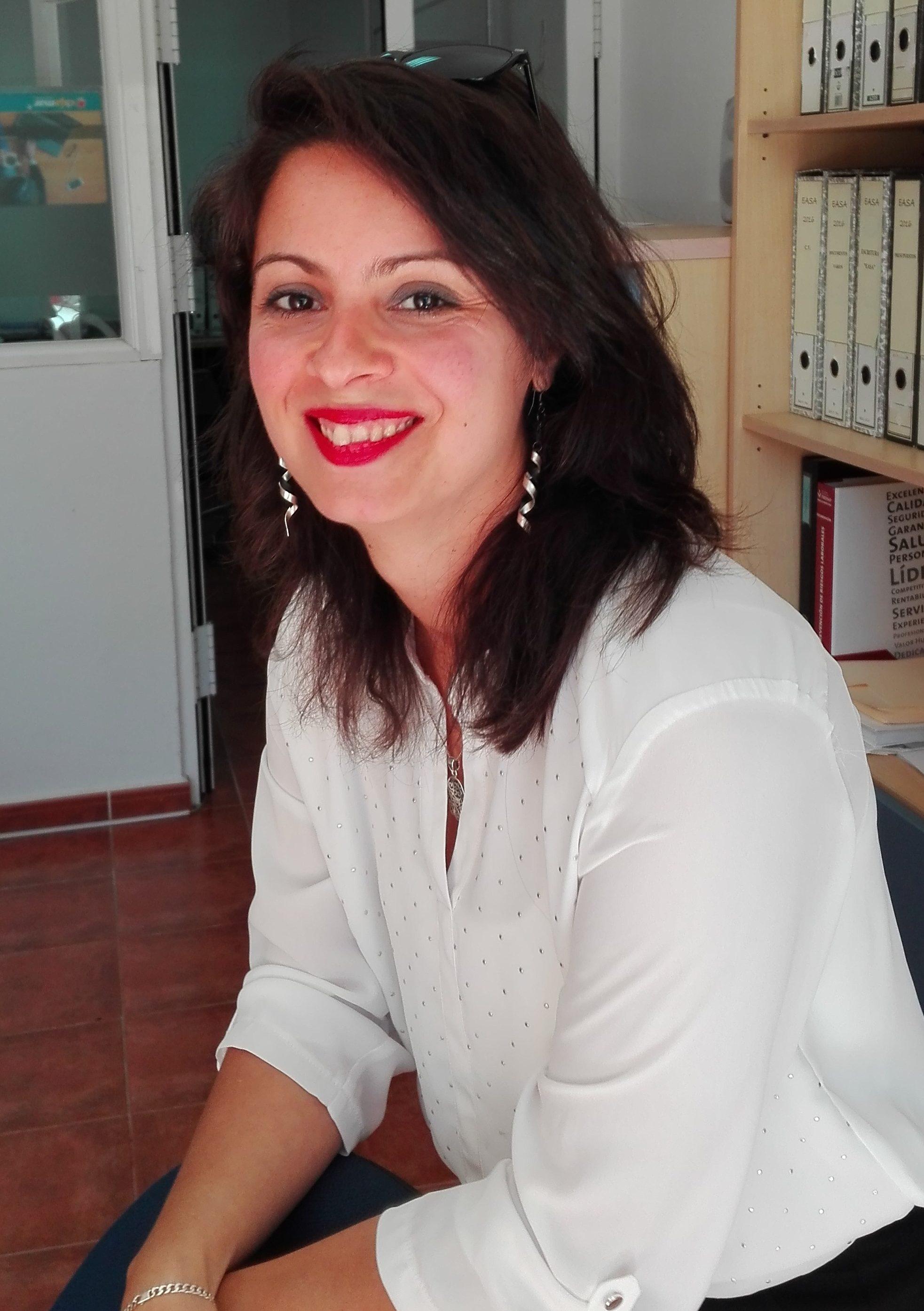 Inés López | Jefa de administración de BOHR AdministracionesInés López | Jefa de administración de BOHR Administraciones
